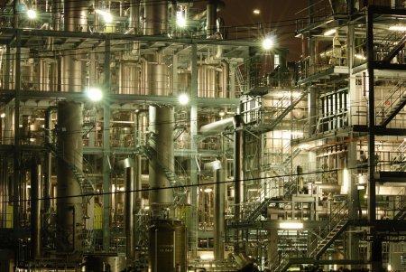 Photo pour Fond d'usine industrielle lourde très détaillé à Tokyo, Japon - image libre de droit
