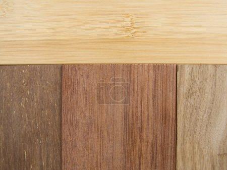 Photo pour Plancher de texture en bambou naturel premium installé des planches de bois de bambou grade suprême - image libre de droit