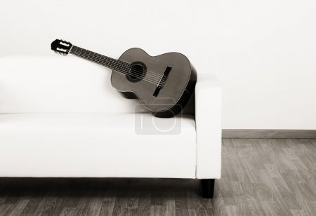 Solitude guitar