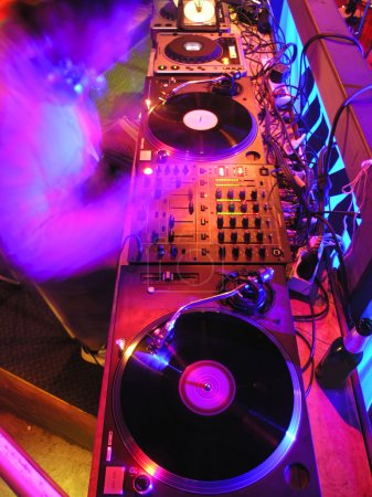 Photo pour Équipements de musique DJ - image libre de droit