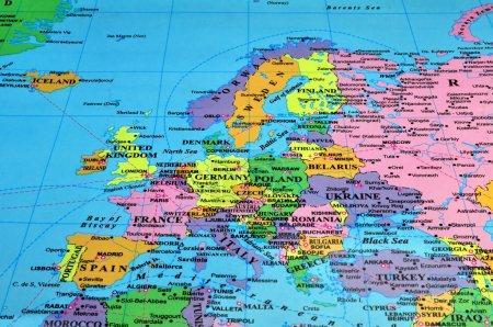 Photo pour Carte colorée de l'europe - image libre de droit