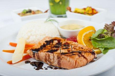 Salmon steak a la carte