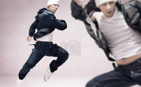 Two hiphop dancers