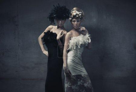 Foto de Foto de Bellas Artes de una dos moda damas - Imagen libre de derechos