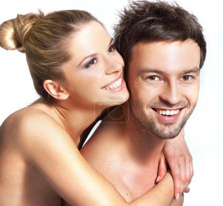 Foto de Closeup retrato de una joven pareja feliz - Imagen libre de derechos