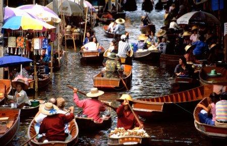 Photo for The floating markets of Damnoen Saduak, Thailand - Royalty Free Image
