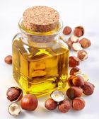 huile de noisetier avec écrous