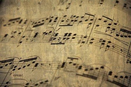 Photo pour Vieille partition pour piano - image libre de droit
