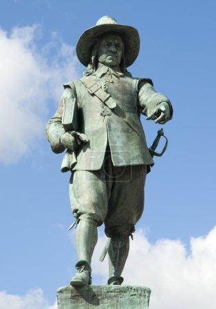 Photo pour Statuer d'Oliver Cromwell sur la place du marché de St Ives - image libre de droit