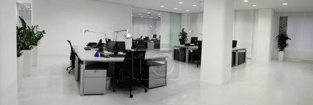 Photo pour Détail de l'intérieur de l'espace de bureau moderne - image libre de droit