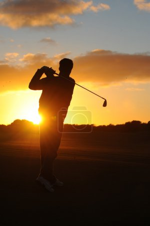 male golfer silhouette
