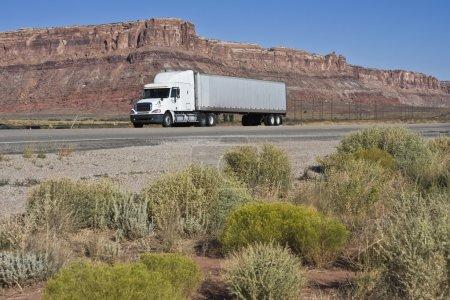Photo pour Semi-conduite sèche Utah - Moab zone . - image libre de droit