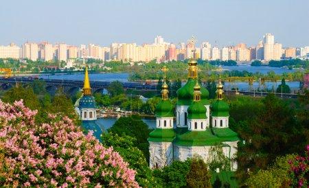 Photo pour Vue panoramique de la vidubichi monastère, kiev, ukraine - image libre de droit