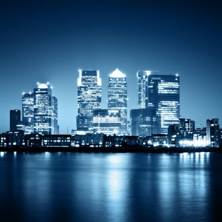 Photo pour Canary wharf vue de greenwich - image libre de droit