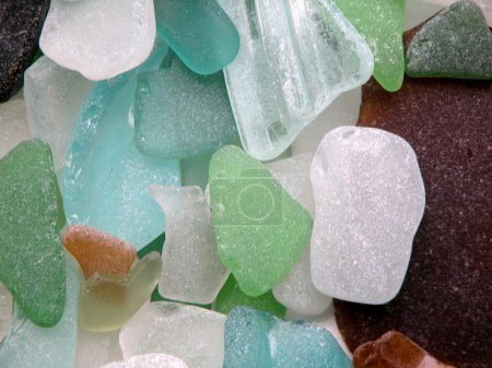 Rounded glass stones